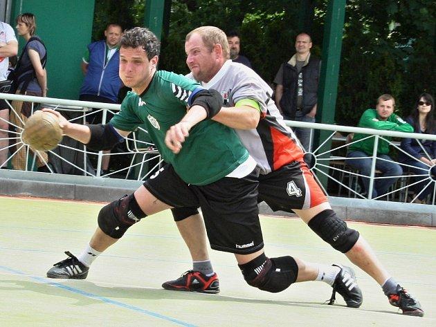 Daniel Nociar (v zeleném) je tahounem žatecké Šroubárny