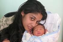 Mamince Pavle Surmajové z Loun se 4. září 2010 ve 13:47 hodin narodil syn Aleš Surmaj. Vážil rovné 3 kilogramy a měřil 49 centimetrů.