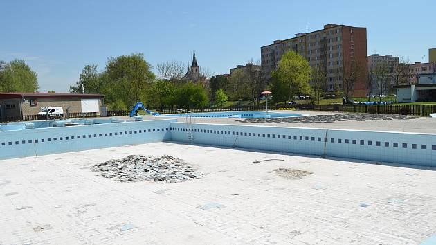 Rekonstrukce bazénu na lounském koupališti