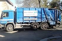 Vůz společnosti Marius Pedersen pro odvoz odpadu.