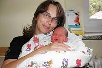 Mamince Miladě Adamcsekové ze Žatce se 2. září 2011 v 10.30 hodin narodila dcera Ester Adamcseková. Měřila 47 cm a vážila 2,97 kg