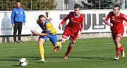 Fotbalisté Blšan porazili Neštěmice (v červeném) 5:0.