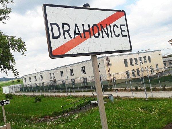 Bývalá věznice vDrahonicích.
