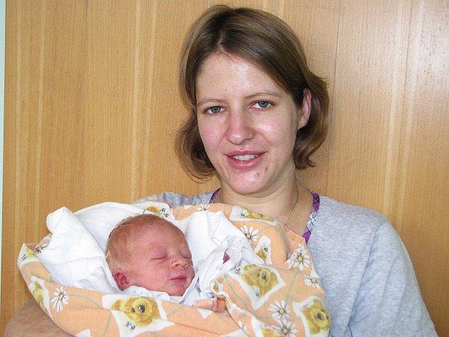 Mamince Simoně Horničákové z Loun se 6. prosince 2012 ve 3.42 hodin narodil synek Matyáš Soldátek. Vážil 2885 gramů a měřil 47 centimetrů.