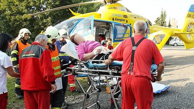 V Postoloprtech přistál záchranářský vrtulník