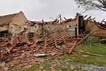 Následky bouře ve Stebně na Podbořansku