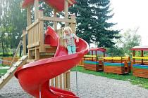 Nové dětské hřiště v Deštnici