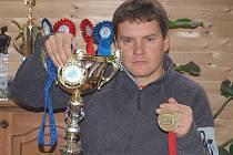 Podbořanský musher Roman Habásko s trofejemi