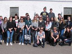 Studenti z Loun a nizozemského Barendrechtu navštívili kromě jiného farmu ve Slavětíně.