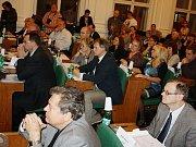 Zasedání zastupitelů Žatce 24. června 2015. Milan Pipal