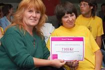 Mezi žadateli byla i Olga Bartošová z Okresního výboru Sdružení pro pomoc mentálně postiženým ČR v Lounech.