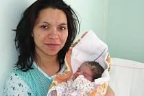 Mamince Monice Blogové z Kryr se 26. května 2011 v 7:36 hodin v žatecké porodnici narodila dcera Ester Blogová. Vážila 2,86 kilogramu, měřila 50 centimetrů.