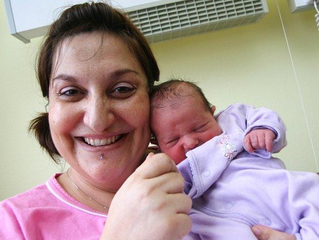 Viktorie Štefanová z Podbořan vykoukla na svět v kadaňské porodnici ve středu 13. února v 16.35 hodin. Váha  3,12 kg; míra 47 cm. Mamince Milaně gratulujeme.