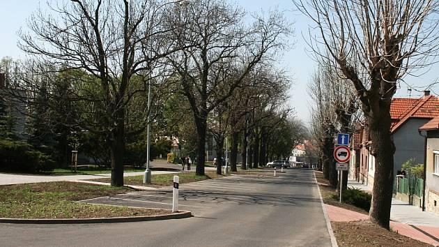 Rybalkova ulice v Lounech