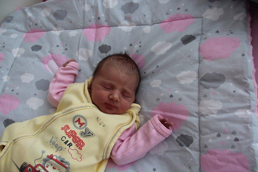 Lilien Gondová se narodila mamince Radce Gondové z Podbořan 16. dubna v 0.36 hodin. Vážila 3 kg, měřila 50 cm.