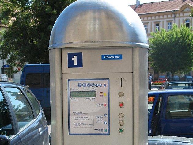 Parkovací automat u Komerční banky v Žatci