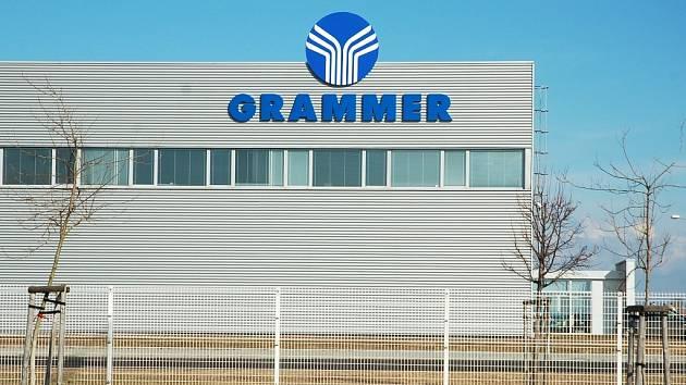 Společnost Grammer si v zóně Triangle u Žatce pronajala halu po bývalém Panasoniku.
