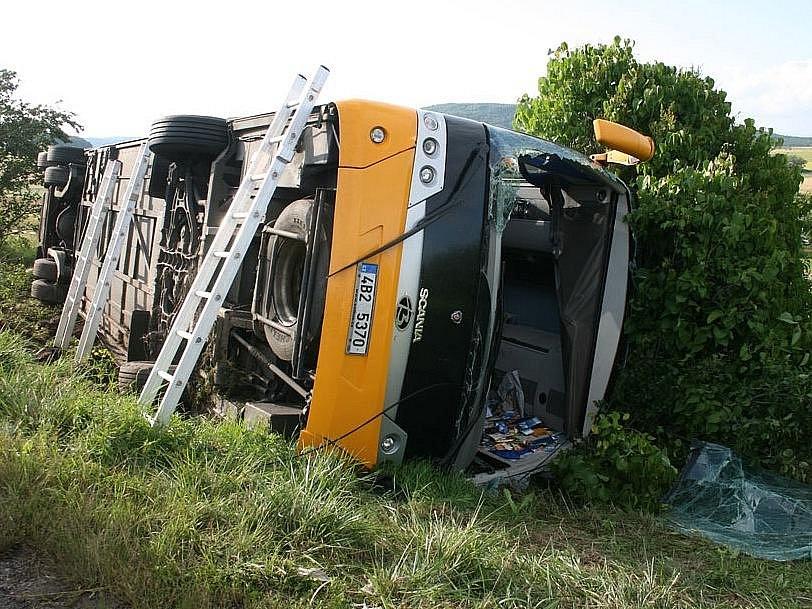Nehoda autobusu u Lubence.
