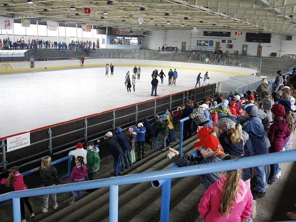 Zimní stadion vLounech. Ilustrační foto