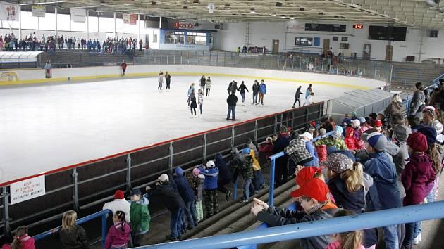Zimní stadion v Lounech. Ilustrační foto