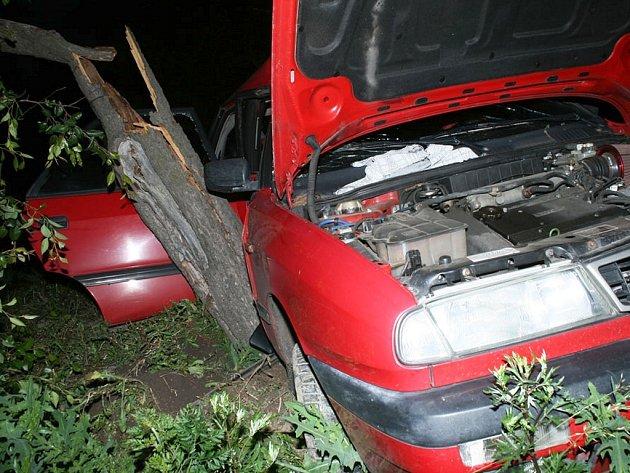 Vážná nehoda u Břvan na Lounsku 2. června