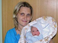 Mamince Tereze Vrábíkové ze Žatce se 26. května 2015 v 16.43 hodin narodil syn Jiří Špác. Vážil 2615 gramů a měřil 48 centimetrů.