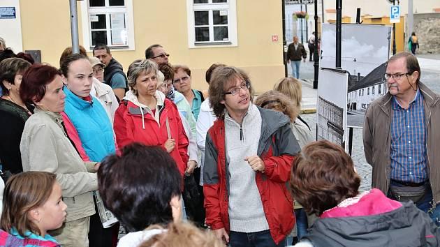 Jednou ze zajímavostí loňských Dnů evropského dědictví v Lounech byla výstava historických fotografií v ulicích