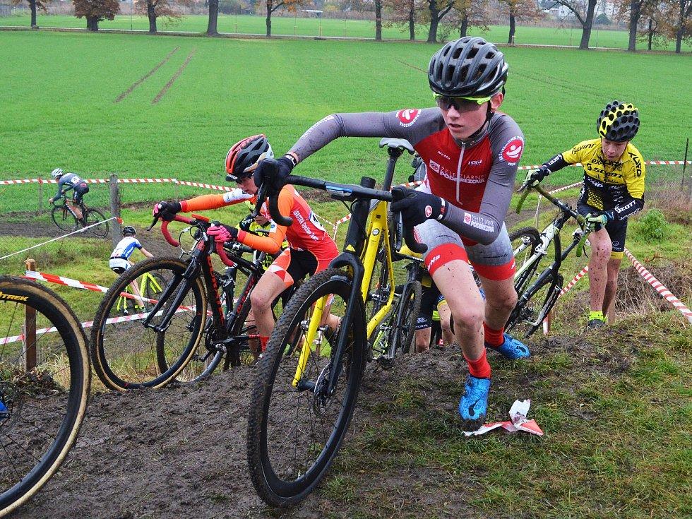 V Lounech se jel národní pohár cyklokrosařů. Domácím jezdcům se dařilo skvěle, vybojovali dvě zlata.