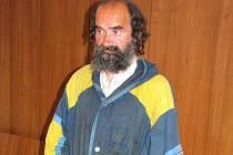 Andrej Korpa před Okresním soudem v Lounech