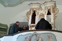 Varhany v zámku ve Stekníku