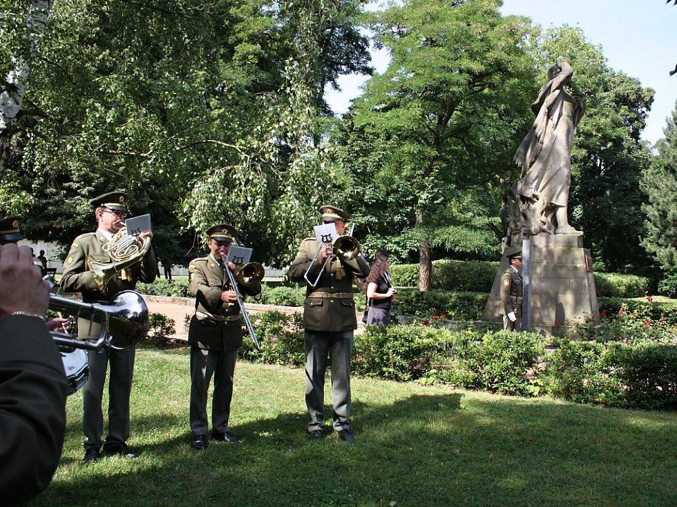 Vzpomínka na popravené z Českého Malína u žateckého hřbitova