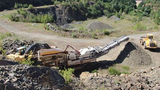 Těžba v lomu. Ilustrační snímek.