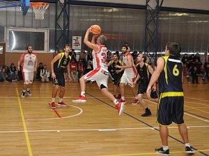 Basketbal: Louny - Benešov