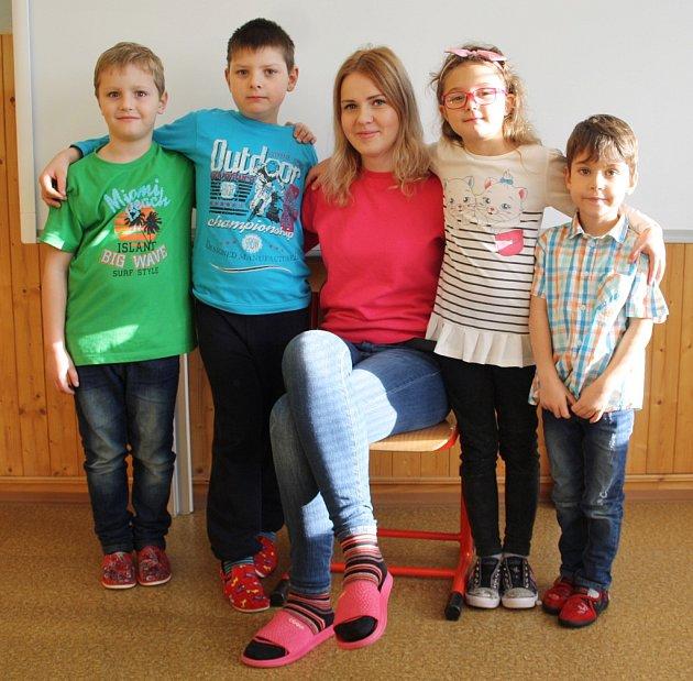 Prvňáci ze ZŠ Tuchořice třídní učitelky Anny Pilařové
