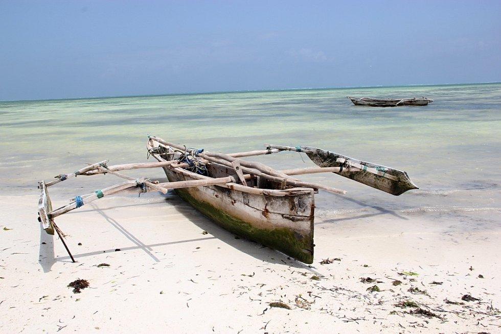 Dokonalá idyla na legendárních bílých plážích u města Jambiani v Zanzibaru