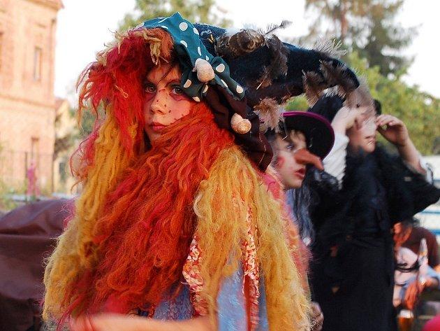 Čarodějnická maska v Libočanech.