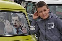 Desátý sraz vozů Mini Cooper se o víkendu konal v Peruci.