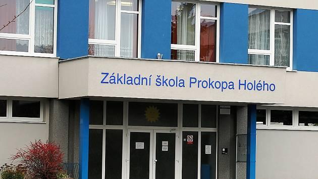 Základní škola Prokopa Holého v Lounech.