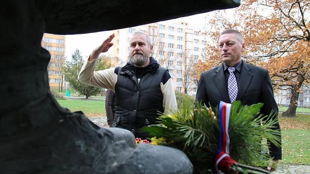 Připomínka Dne válečných veteránů na Suzdalském náměstí v Lounech