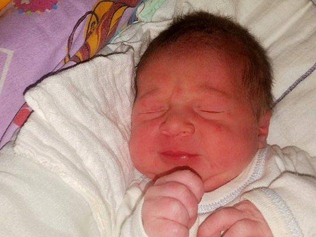 Tomáš Duda se narodil 30. srpna 2017 ve 12.42 hodin mamince Veronice Bínové z Podbořan. Vážil 2950 g a měřil 51 cm.