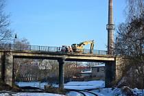 Demolice mostů v Říční ulici v Lounech