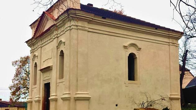 Kaple v Letově po opravě. Stav z roku 2015.