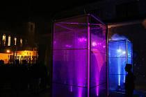 Festival Kouzlo světla v Lounech. Instalace za radnicí