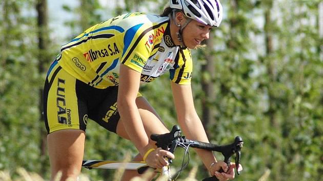 Kvalitně potrénovat se dá i na silnicích v okolí domácích Blšan. Lucie Záleská tam nabírá sílu pro nadcházející mistrovství světa juniorů, které se letos koná v Moskvě.