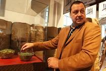 Chrám chmele a piva v Žatci včetně chmelařského muzea se otevírá turistům.