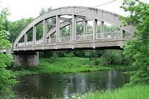 Most přes řeku Ohři a říčku Blšanku u Zálužic