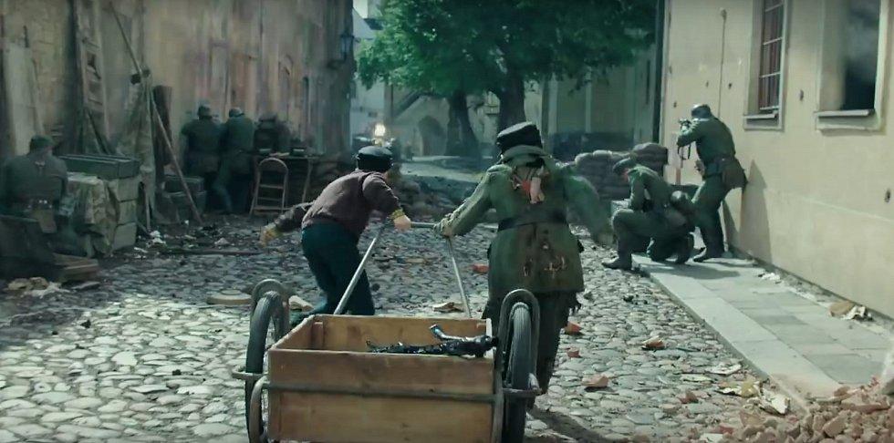 Film Jojo Rabbit se natáčel také v Žatci