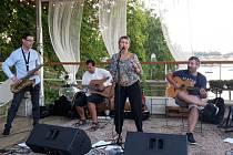 Club Devítka Žatec přivítá v rámci cyklu Hudba z Podloubí pražskou kapelu Troiss.