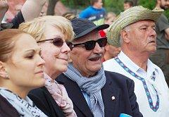 Pozvání přijal oblíbený český herec Josef Somr