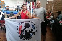 Zleva boxer Marcel Sokol a trenér Vladislav Naporowski.